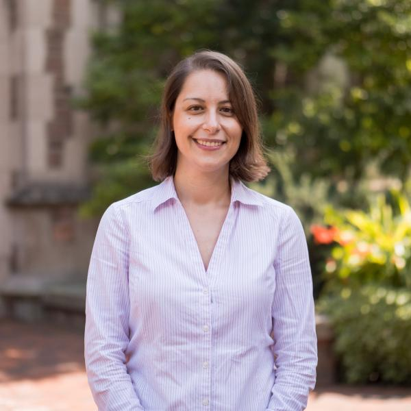 Zoe Stamatopoulou receives a 2020 Outstanding Faculty Mentor Award